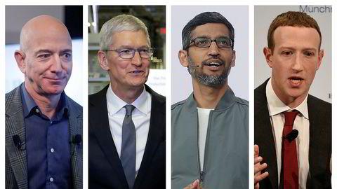 Fra venstre Amazon-sjef Jeff Bezos, Apple-sjef Tim Cook, Alphabet-sjef Sundar Pichai og Facebook-sjef og grunnlegger Mark Zuckerberg.