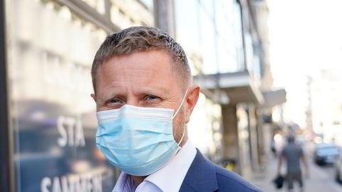 Helse- og omsorgsminister Bent Høie bruker lang tid på å avdekke hvor mange intensivplasser sykehusene trenger. På ett år har det ikke kommet en ny ekstra plass.