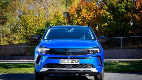 Opels nye fjes ser bra ut på suven Grandland.