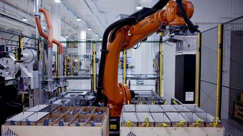 Snart er det bare robotene som jobber i industriproduksjonen, skriver artikkelforfatteren.