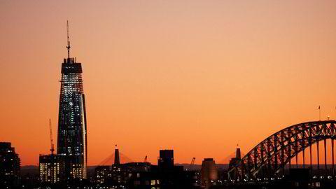 Crown Sydney Hotel Resort ruver høyt over havnen i Sydney. Kasinoet får ikke lisens til å åpne dørene.