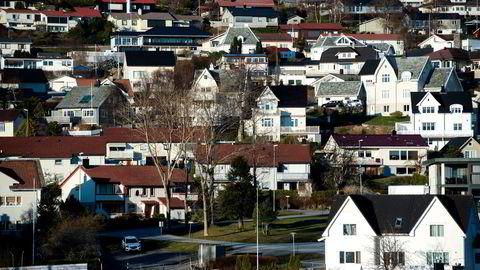 Alle norske boliglånskunder vil tape dersom myndighetene godkjenner DNBs oppkjøp, skriver artikkelforfatteren.