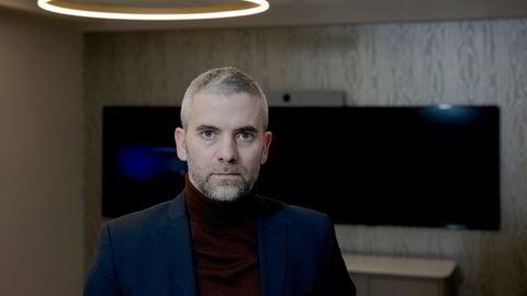 Eirik Hokstad fikk lån på mer enn 100 millioner kroner for å kjøpe eiendom. Etter å ha tilstått bedrageri, dokumentfalsk og identitetstyveri er han nå dømt til fem års fengsel.