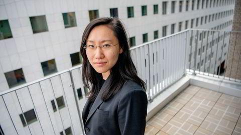 – Smertegrensen er ikke nådd ennå, men det er utvilsomt svake tall og et resultatet av tilbudssidesjokk, sier Kelly Chen, makroøkonom i DNB Markets om de svake veksttallene i den kinesiske økonomi i tredje kvartal.