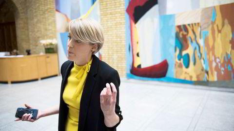 Kari Elisabeth Kaski (SV) er finanspolitisk talsperson. Kaski frykter et av forslagene kan gi et nytt smutthull, men oppfordrer regjeringen å ta til seg anbefalingene fra Skatteetaten.