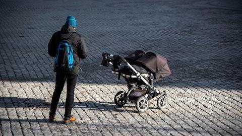 KrF foreslår å forlenge foreldrepermisjonen, men vil kutte fedrenes kvote.