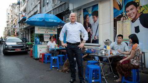 – Politisk risiko var en av de risikoene som ble lagt til grunn da beslutningen om å gå inn i Myanmar ble tatt, sier konsernsjef Sigve Brekke. Her er han i Myanmar i 2017.