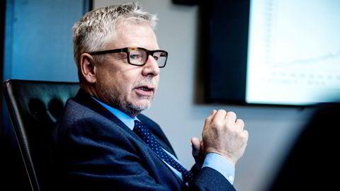 Erik Bruce, sjefanalytiker Nordea Markets, sammen med sin kollega Joachim Bernhardsen, har troen på en sterk forbedring i det amerikanske arbeidsmarkedet og tviler på at de strenge restriksjonene opprettholdes etter at de mest sårbare gruppene er vaksinert.