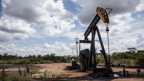 Global oljeproduksjon har økt hvert eneste år, selv med et bratt fall i Venezuelas oljeproduksjon, skriver artikkelforfatteren.