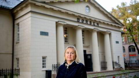 Det gleder Kristin Skaug i AksjeNorge å se mange under 40 år kaste seg utpå og investere i aksjer. I 2020 strømmet 90.000 nye aksjonærer til Oslo Børs.