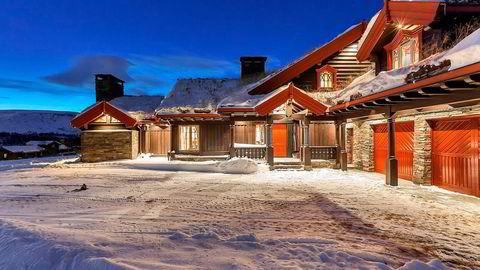 Skarvegløtt i Budalen er blitt forsøkt solgt siden 2008. – Det tok litt tid, men det har ikke stått på muligheter i perioden vi har hatt oppdraget, sier eiendomsmegler Kristian Karlsrud i Nordvik Frogner.