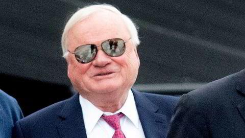 Grunnen til at John Fredriksen selger sine aksjer kan synes åpenbar: Seadrill har vært, og er fortsatt, priset til elleville verdier på Oslo Børs.