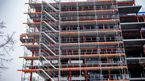 Salget av nye boliger i januar var 27 prosent høyere enn samme måned i fjor. Bildet fra en byggeplass på Løren.
