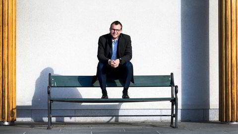 KrF-leder Kjell Ingolf Ropstad må få KrF-velgere ned fra gjerde og hente KrF-velgere hjem fra Senterpartiet skal han unngå å bli den første KrF-lederen i moderne tid som får partiet under sperregrensen.