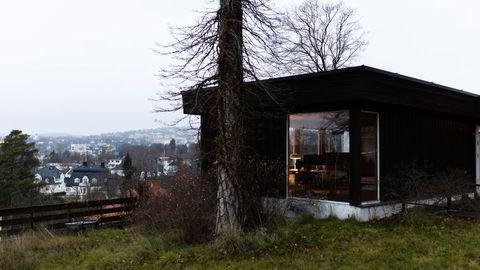 Denne villaen i Kristinelundveien ble solgt for 27 millioner kroner i fjor. Før kjøpekontrakten var skrevet under ble den videresolgt for 31 millioner kroner.