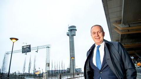 Håkon Fjeld-Hansen får med seg Rema 1000 i kampen om taxfree-kontrakter på norske flyplasser.