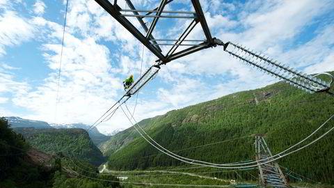 Prisene på elektrisitet inkludert nettleie bidro mest til prisveksten på årsbasis i august. Prisene økte med 97,9 prosent i perioden.
