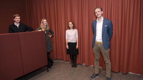 Investeringsdirektør Rannveig Fadum i Investinor (midten høyre) er en av de nye aksjonærene i Antlers Norden-fond. Investeringene ledes av Mathias Owing Maanum (fra venstre), Anne Solhaug Tutar og Kristian Jul Røsjø på Antlers Oslo-kontor.