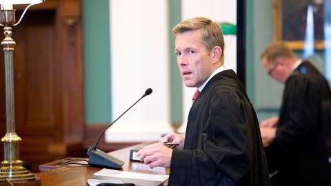 Sist høst vant advokat Amund Noss (venstre) frem i en historisk BankID-sak i Høyesterett. Nå går han inn for en kvinne som ble utsatt for såkalt Olga-svindel. Også denne gangen er Forbrukerrådet med på laget.