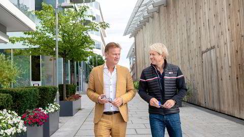 Eivind Roald (til høyre), tidligere salgs- og markedsdirektør i SAS, var den første som gikk inn med penger i troen på Jason Eckhoffs forretningsidé Businessclass.com.