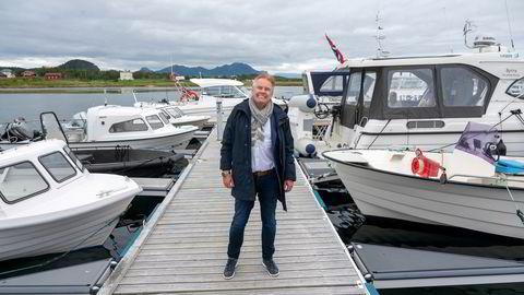 Den Brasil-baserte investoren Rikard Storvestre meldte flytting til Bø i Vesterålen etter at kommunen kuttet formuesskatten. Han liker dårlig at regjeringen nå øker formuesskatten på de høy formue.
