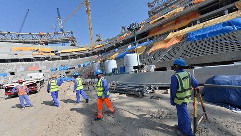 Bygningsarbeidene er i gang i en tidlig fase ved Qatars Lusail stadion, to mil nord for hovedstaden Doha.