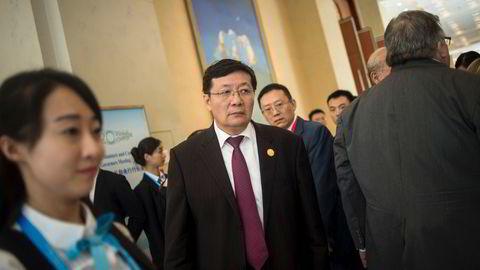 Kinas tidligere finansminister Lou Jiwei kommer med en kraftig advarsel i forkant av et viktig toppmøte. Svakere vekst i verdensøkonomien, eldrebølgen i Kina og høy gjeldsvekst gjør situasjonen sv'rt utfordrende. Her fra et G20-møte i Chengdu i 2016.