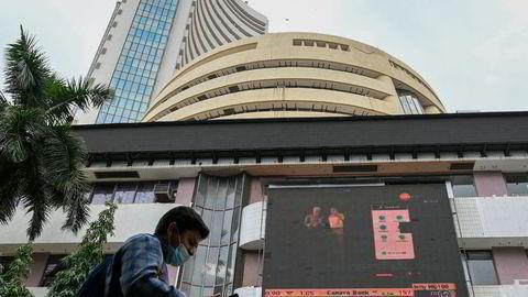 Det settes nye rekorder ved den indiske børsen, Bombay Stock Exchange (BSE). Nesten 15 millioner småinvestorer har handlet sine første aksjer under pandemien.