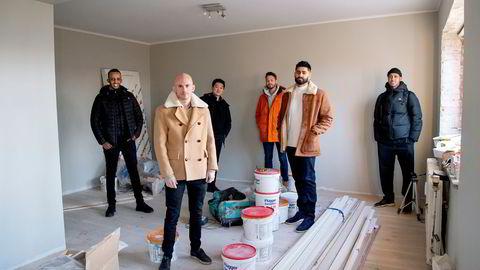 Solgt.no gir fastpris på boliger basert på egenutviklede datamodeller. Fra venstre: Shafi Adan, Jan Oftedal, Jørn Skogsrud, Arne Kvale, Anders Gill og Abdi Rahim.