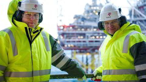 Leverer utbyggingsplan: Arne Sigve Nylund (t.h.), Equinors konserndirektør for teknologi, prosjekter og boring. Her flankert av Kjetil Hove, Nylunds etterfølger som leder for norsk sokkel.