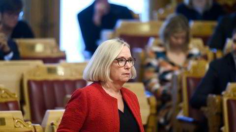 Senterpartiets Marit Arnstad vil skjerme norske forbrukere mot høyere strømpriser. Det gjenstår å se om hun greier å skjerme skattebetalerne.