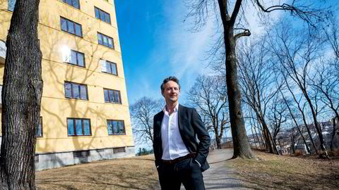 Alexander Henriksen i Strawberry publishing varsler storsatsing på flere titall millioner, mens konkurrentene reagerer på hans språkbruk.