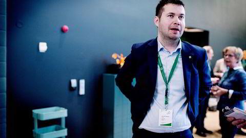 Stortingsrepresentant Geir Pollestad (Sp) er skuffet over at Hydro selger Rolling.