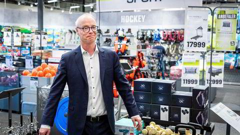 Konsernsjef Pål Wibe i XXL i butikken på Alnabru.