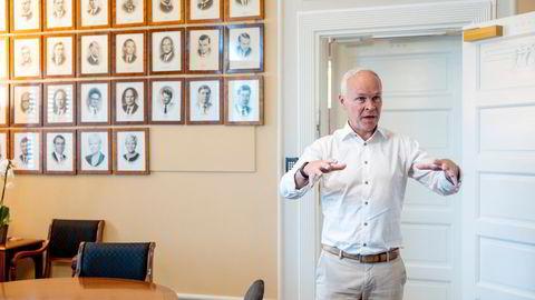 Nå bør finansminister Jan Tore Sanner forberede seg selv og oss andre på å flytte krittstreken en gang til, påpeker artikkelforfatteren.