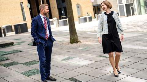 Helse- og omsorgsminister Bent Høie og næringsminister Iselin Nybø. Regjeringen ser på muligheten for å støtte vaksineproduksjon i Norge.
