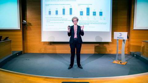 Hydros konsernsjef Hilde Merete Aasheim måtte se aksjekursen falle.