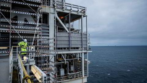 At det ikke vil være behov for investeringer i nye olje- og gassfelt i IEAs Net Zero scenario er en konsekvens av at verden lykkes med alle de øvrige 399 milepælene som omtales i rapporten, skriver artikkelforfatteren.