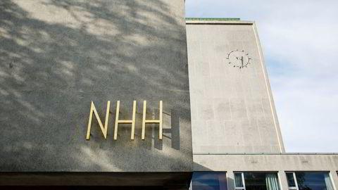 Heller ikke Petter Bjerksund og Guttorm Schjelderup ved NHH anbefaler noe alternativt system, skriver artikkelforfatteren.