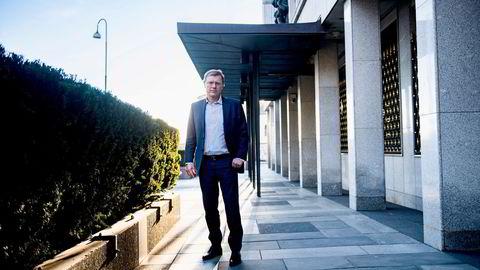 Sjefstrateg i Sparebank 1 Markets, Peter Hermanrud er ikke imponert av Equinors regnskapsprinsipper.