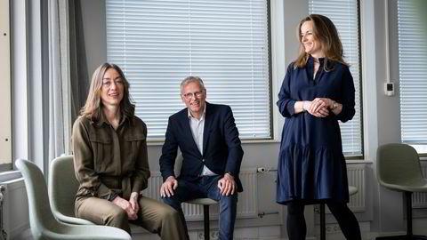 Partner og seniorrådgiver i First House Bjørg Leinum Seim, administrerende direktør Per Høiby og seniorrådgiver Nuria B. Gørrissen.