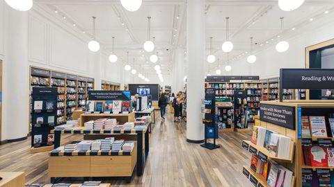 Nettbutikken Amazon.com har åpnet butikker i USA, her fra Midtown på Manhattan i New York.