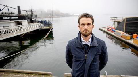 Magnus Valeberg er investeringsdirektør i AGC Equity Partners, som eier 75 prosent av Solstad Offshore-skipet «Normand Maximus». Han sier han er «sjokkert» over oppførselen til bankene, som har tiltrådt pantet i båten.