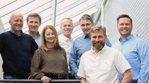 Pearl Group står bak blant annet nettbutikkene til Ark og Jernia. Nå punger det ut for å kjøpe en svensk konkurrent. Ledelsen i Pearl Group, fra venstre: Tom Berget, Stian Green, Therese Mellegård, Øystein Karevold, Trond Pedersen, daglig leder Geir Thoresen og Bernhard Olsen.
