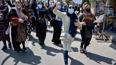 Afghanske kvinner har de siste ukene gjennomført en rekke demonstrasjoner i Kabul.