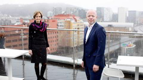 Trond Sundnes ble nylig ansatt som ny konsernsjef i NHST. Her sammen med styreleder Anette S. Olsen.
