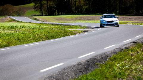 Transportsektoren handler ikke lenger kun om bilene og veien de kjører på, skriver Hanne Seter og Petter Arnesen.