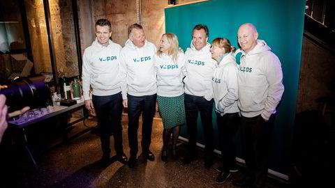 Da Vipps og Mcash ble slått sammen, ble nyheten illustrert med bilde av ledelsen for begge selskapene i matchende Vipps-hoodies. Hvor er de gode bildene av DNB + Sbanken, skriver Monna Nordhagen.