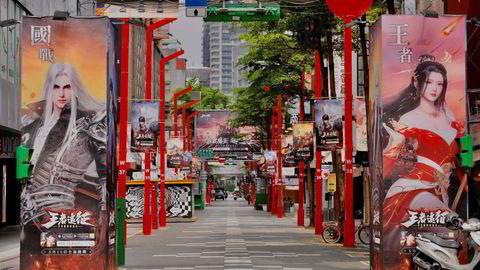 Taiwan, Vietnam, Thailand og Singapore unngikk store koronasmitteutbrudd. Nå er det nedstengning. Landebe er viktige leverandører av komponenter og produkter til teknologisektoren. her fra Ximen i Taipei i Taiwan.