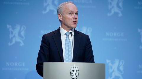Finansminister Jan Tore Sanner legger nye krisemilliarder på bordet for å bekjempe pandemiens skadevirkninger.